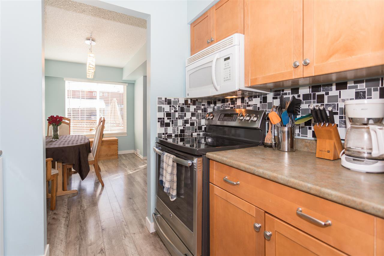 """Photo 7: Photos: 10 1500 JUDD Road in Squamish: Brackendale Townhouse for sale in """"The Cottonwoods"""" : MLS®# R2242034"""