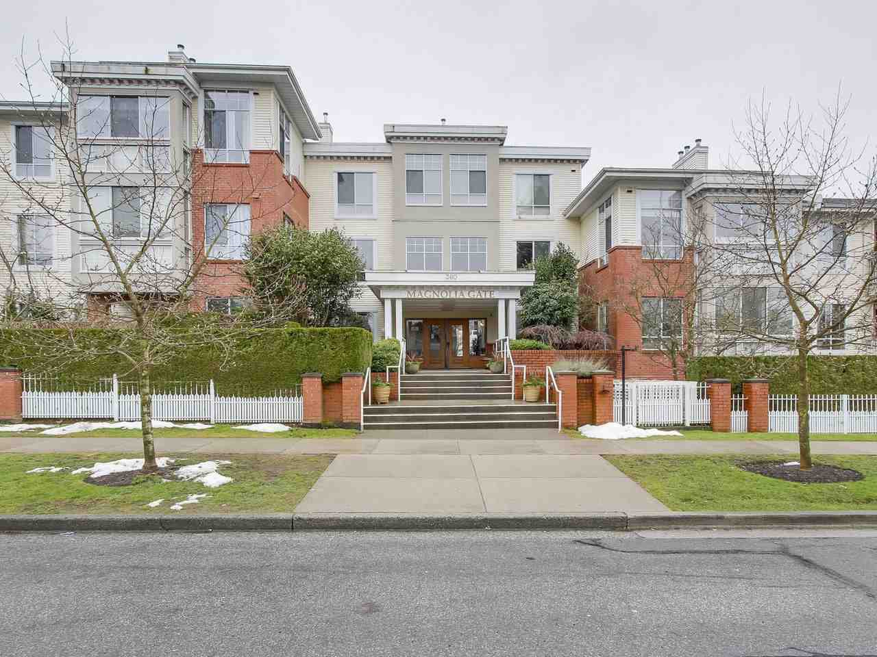 "Main Photo: 405 360 E 36TH Avenue in Vancouver: Main Condo for sale in ""MAGNOLIA GATE"" (Vancouver East)  : MLS®# R2244662"