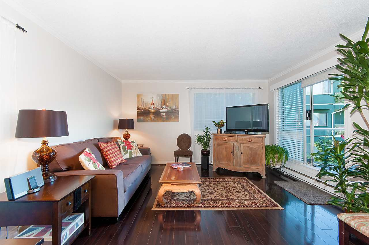 """Main Photo: 308 1530 MARINER Walk in Vancouver: False Creek Condo for sale in """"Mariners Point"""" (Vancouver West)  : MLS®# R2279096"""