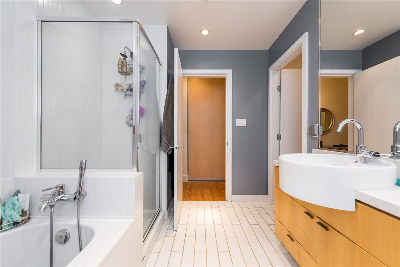 """Photo 14: Photos: 307 345 WATER Street in Vancouver: Downtown VW Condo for sale in """"Greenshields"""" (Vancouver West)  : MLS®# R2288572"""