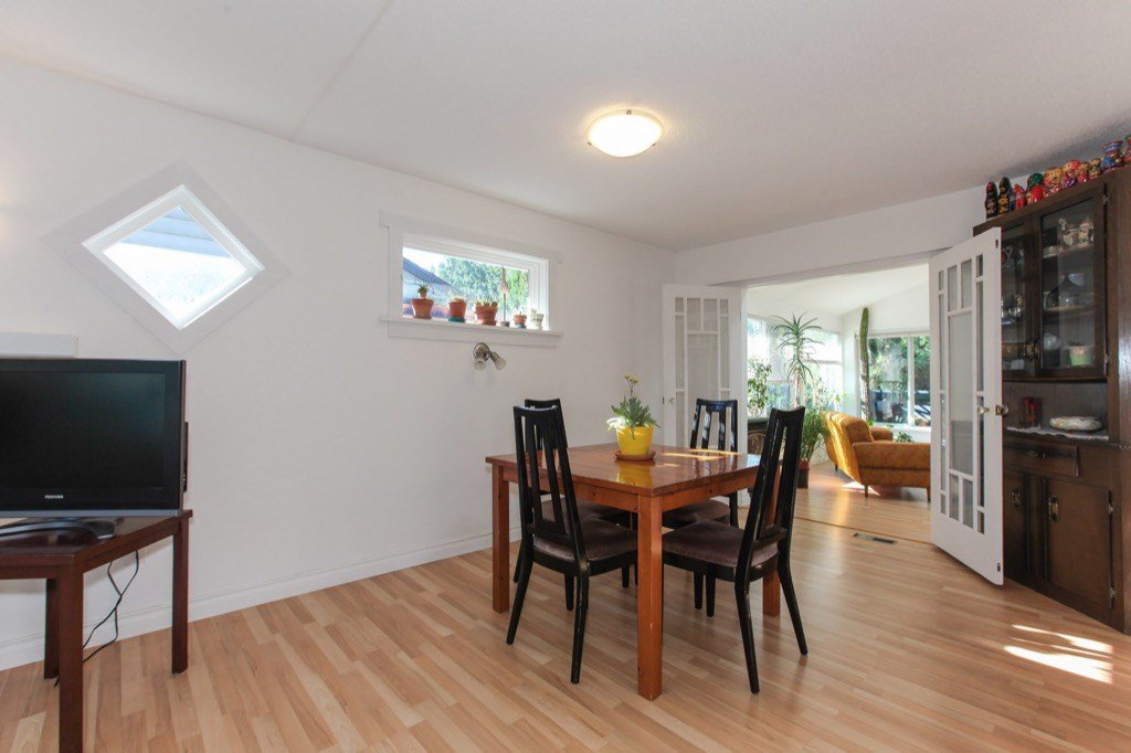 Photo 5: Photos: 11673 MORRIS Street in Maple Ridge: West Central House for sale : MLS®# R2316613