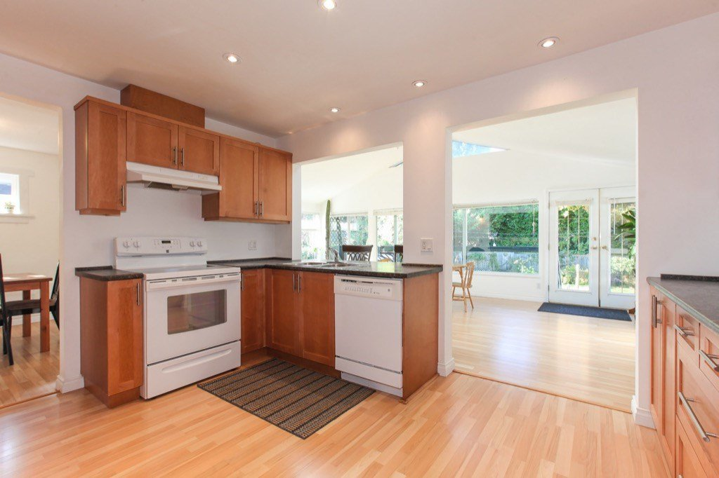 Photo 7: Photos: 11673 MORRIS Street in Maple Ridge: West Central House for sale : MLS®# R2316613