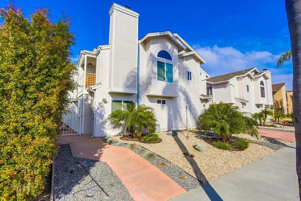 Main Photo: UNIVERSITY HEIGHTS Townhome for sale : 2 bedrooms : 1424 MADISON AVE in San Diego