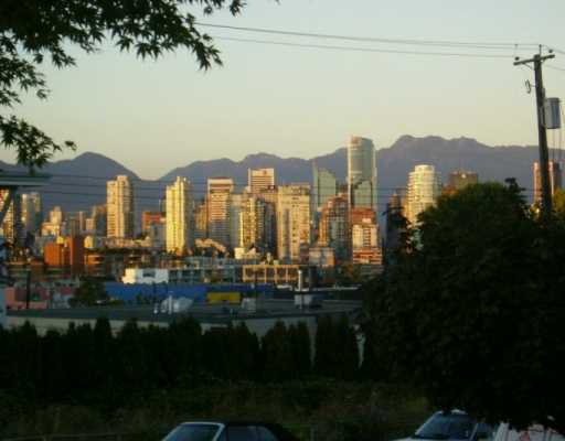 "Main Photo: 210 1876 W 6TH AV in Vancouver: Kitsilano Condo for sale in ""HERITAGE @ CYPRESS"" (Vancouver West)  : MLS®# V556122"
