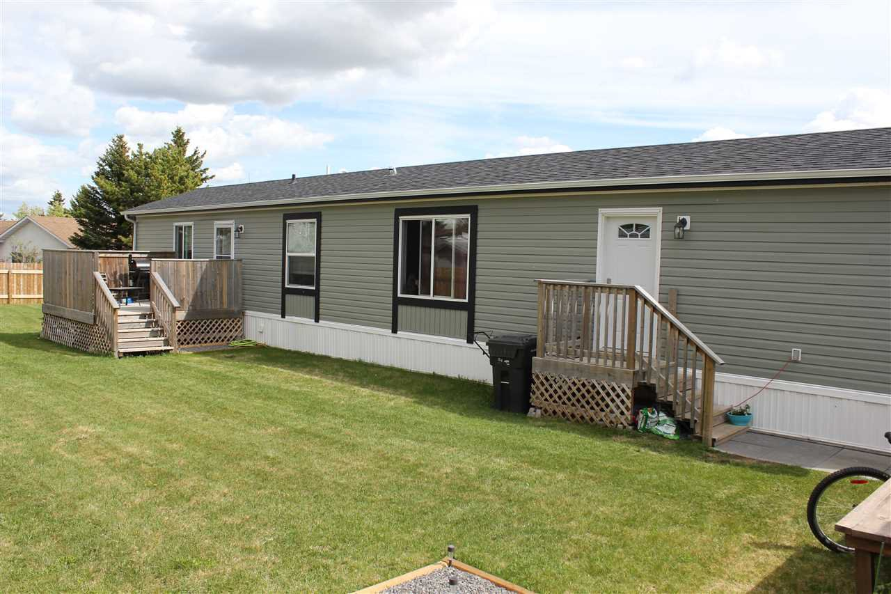 Main Photo: 5009 55 Street: Elk Point Manufactured Home for sale : MLS®# E4157533