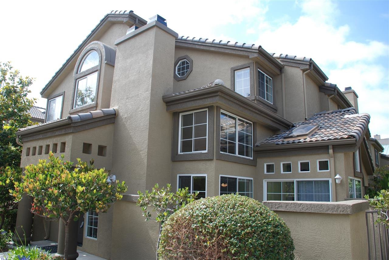 Main Photo: CARMEL VALLEY Townhome for rent : 3 bedrooms : 12611 El Camino Real #E in San Diego