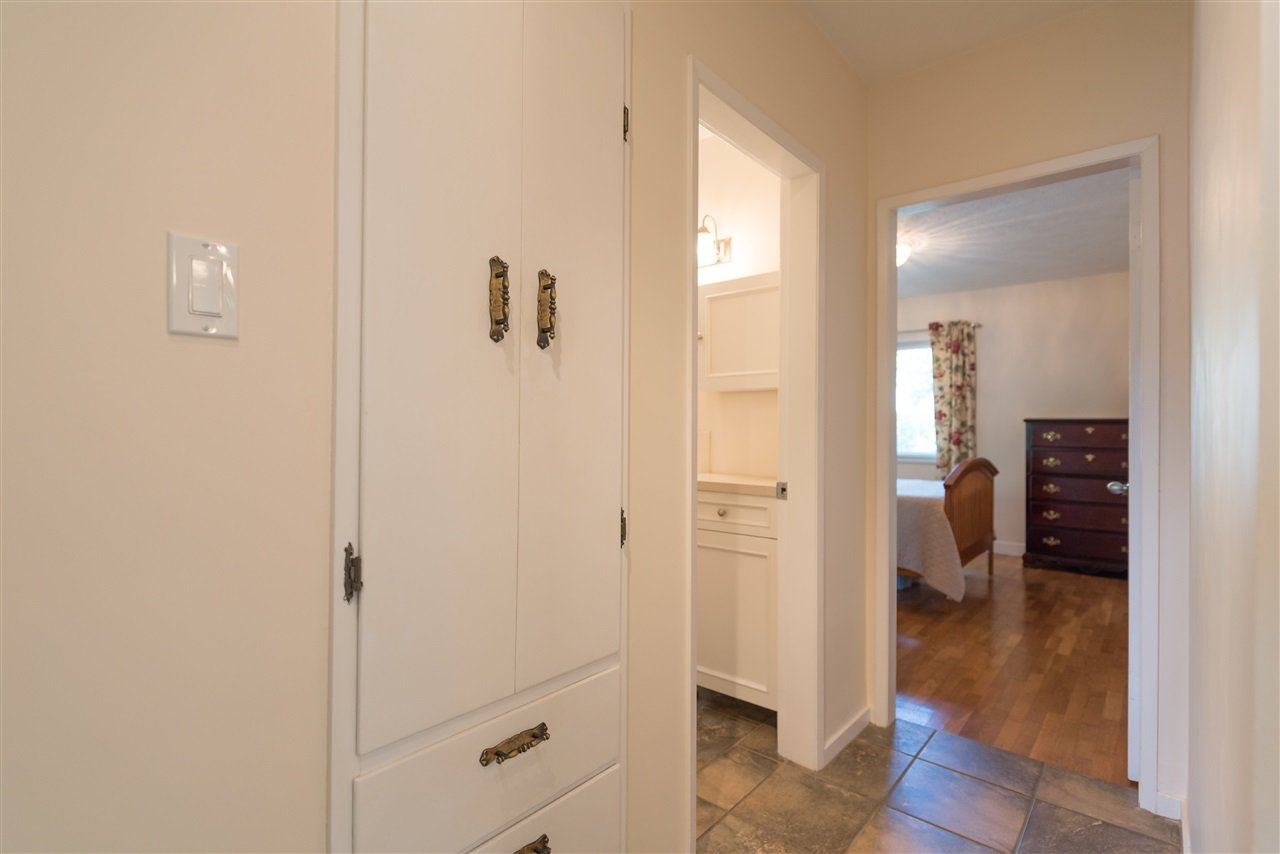 Photo 15: Photos: 1404 W 64TH Avenue in Vancouver: Marpole House for sale (Vancouver West)  : MLS®# R2385000