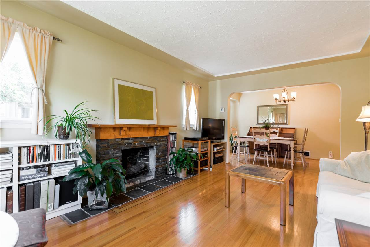 Photo 5: Photos: 1404 W 64TH Avenue in Vancouver: Marpole House for sale (Vancouver West)  : MLS®# R2385000