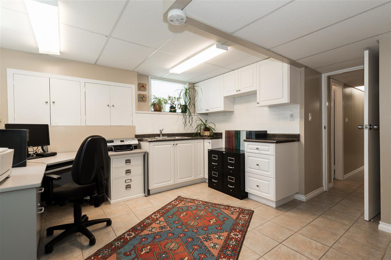 Photo 17: Photos: 1404 W 64TH Avenue in Vancouver: Marpole House for sale (Vancouver West)  : MLS®# R2385000