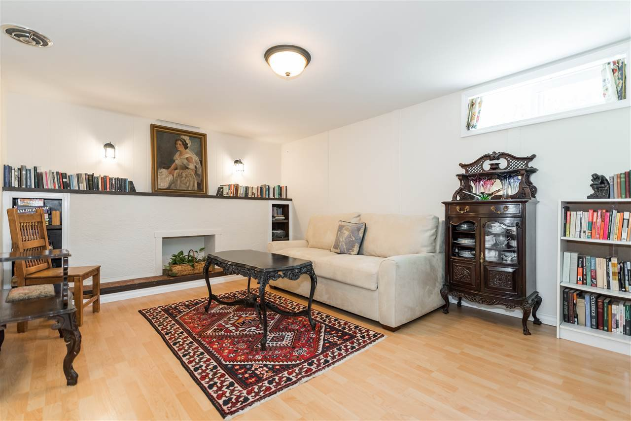 Photo 16: Photos: 1404 W 64TH Avenue in Vancouver: Marpole House for sale (Vancouver West)  : MLS®# R2385000