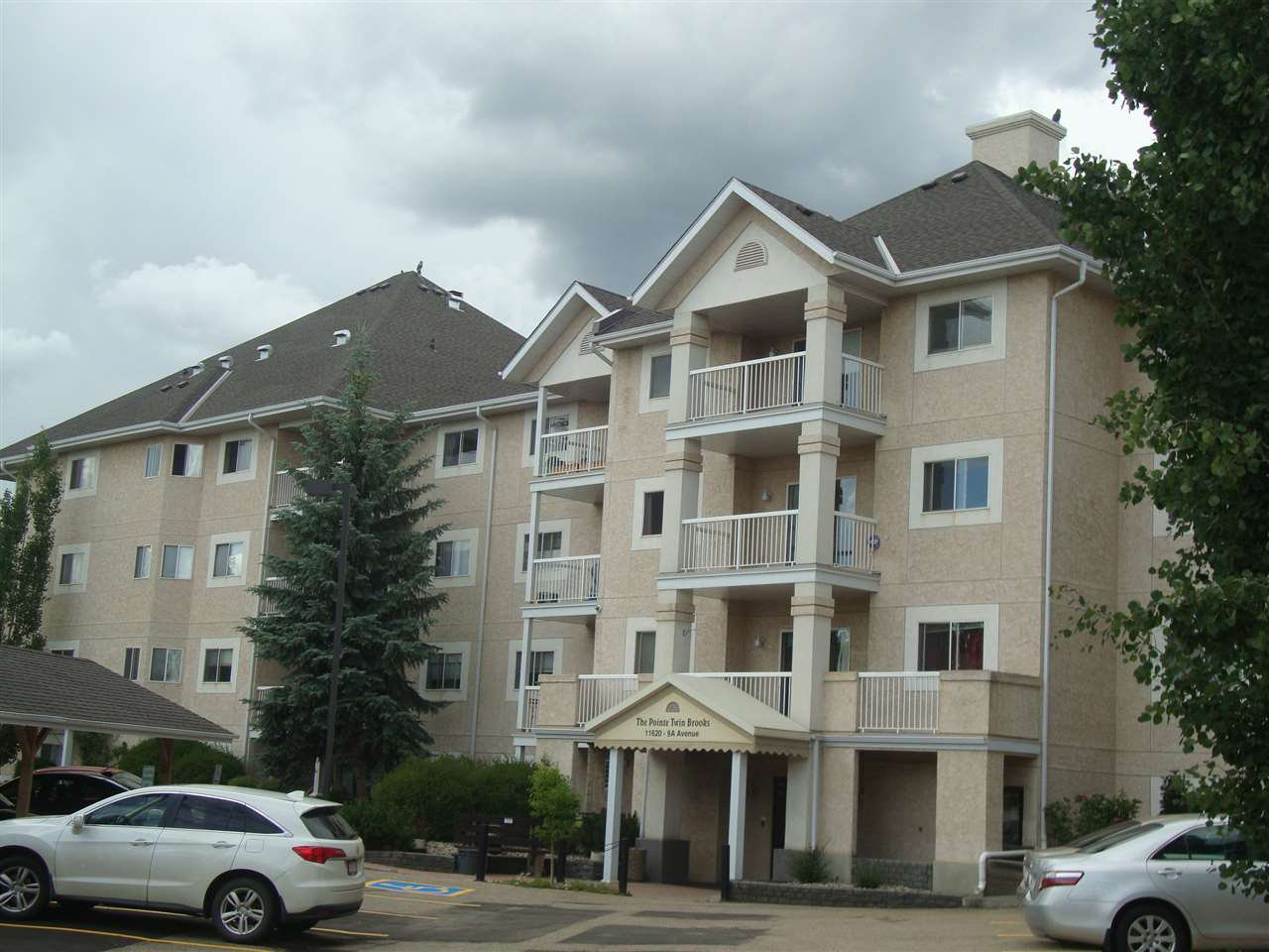 Photo 1: Photos: 306 11620 9A Avenue in Edmonton: Zone 16 Condo for sale : MLS®# E4164657