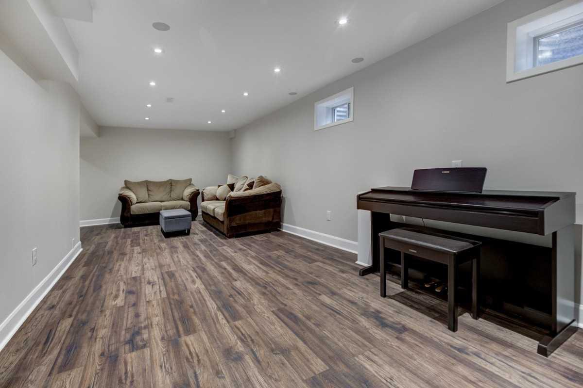Photo 16: Photos: 2914 Arles Mews in Mississauga: Meadowvale House (2-Storey) for sale : MLS®# W4564506