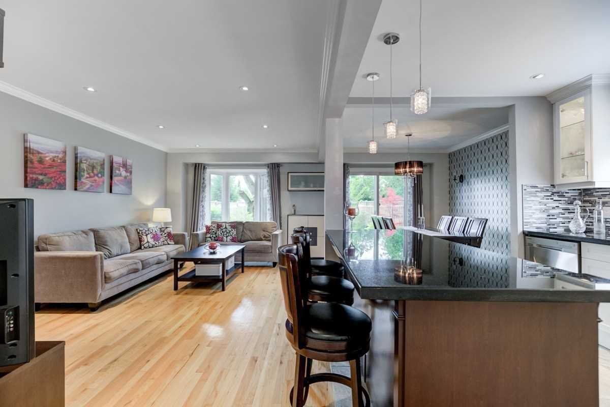 Photo 5: Photos: 2914 Arles Mews in Mississauga: Meadowvale House (2-Storey) for sale : MLS®# W4564506