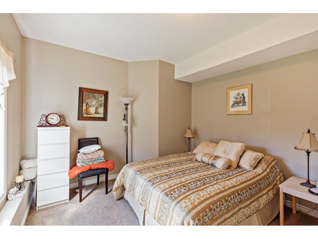 """Photo 13: Photos: 34 2842 WHATCOM Road in Abbotsford: Abbotsford East Townhouse for sale in """"Forest Ridge"""" : MLS®# R2450038"""