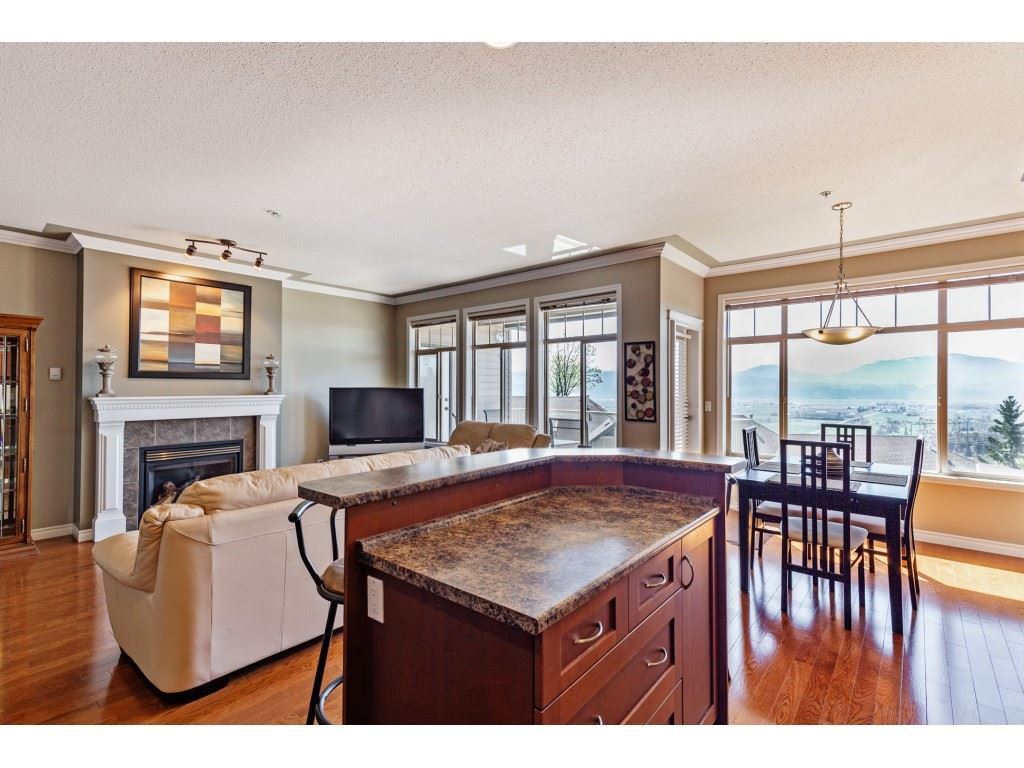 """Photo 6: Photos: 34 2842 WHATCOM Road in Abbotsford: Abbotsford East Townhouse for sale in """"Forest Ridge"""" : MLS®# R2450038"""