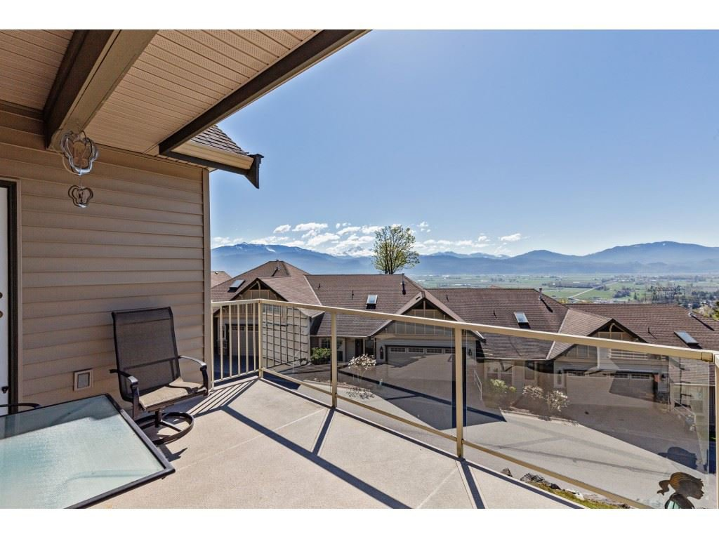 """Photo 19: Photos: 34 2842 WHATCOM Road in Abbotsford: Abbotsford East Townhouse for sale in """"Forest Ridge"""" : MLS®# R2450038"""