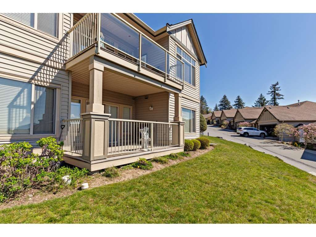 """Photo 20: Photos: 34 2842 WHATCOM Road in Abbotsford: Abbotsford East Townhouse for sale in """"Forest Ridge"""" : MLS®# R2450038"""