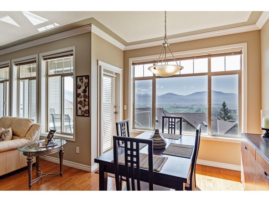 """Photo 7: Photos: 34 2842 WHATCOM Road in Abbotsford: Abbotsford East Townhouse for sale in """"Forest Ridge"""" : MLS®# R2450038"""