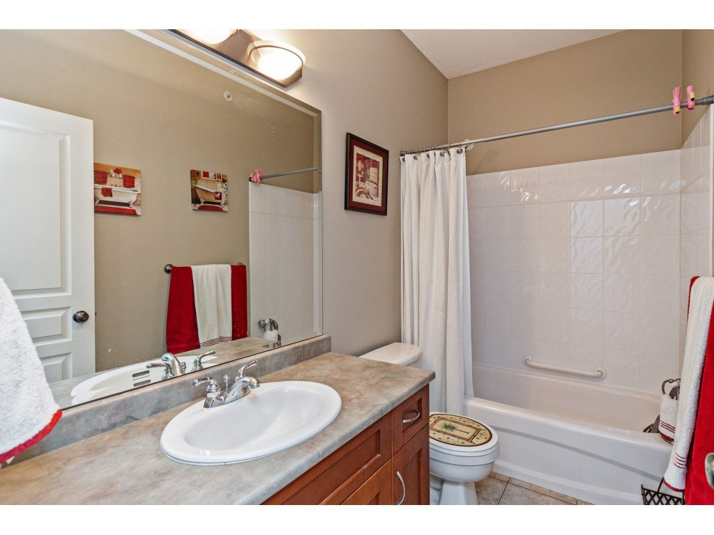 """Photo 14: Photos: 34 2842 WHATCOM Road in Abbotsford: Abbotsford East Townhouse for sale in """"Forest Ridge"""" : MLS®# R2450038"""
