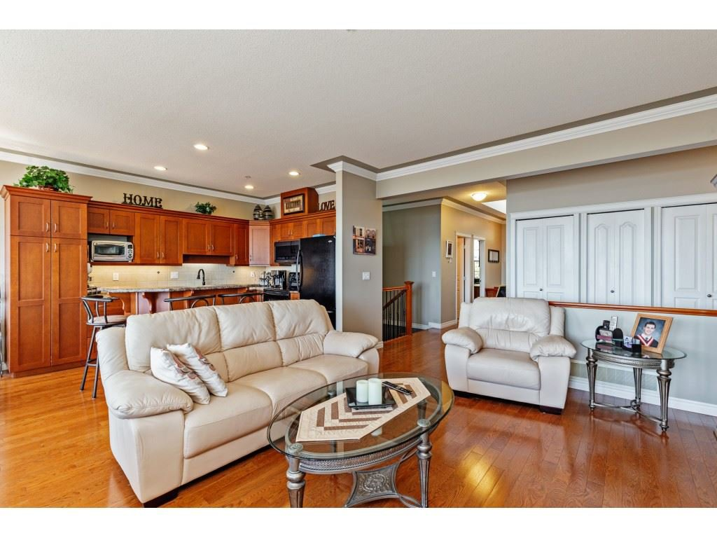 """Photo 10: Photos: 34 2842 WHATCOM Road in Abbotsford: Abbotsford East Townhouse for sale in """"Forest Ridge"""" : MLS®# R2450038"""