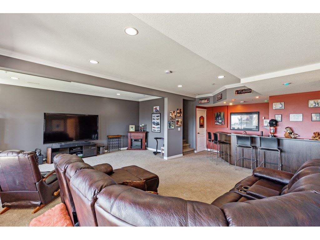 """Photo 17: Photos: 34 2842 WHATCOM Road in Abbotsford: Abbotsford East Townhouse for sale in """"Forest Ridge"""" : MLS®# R2450038"""