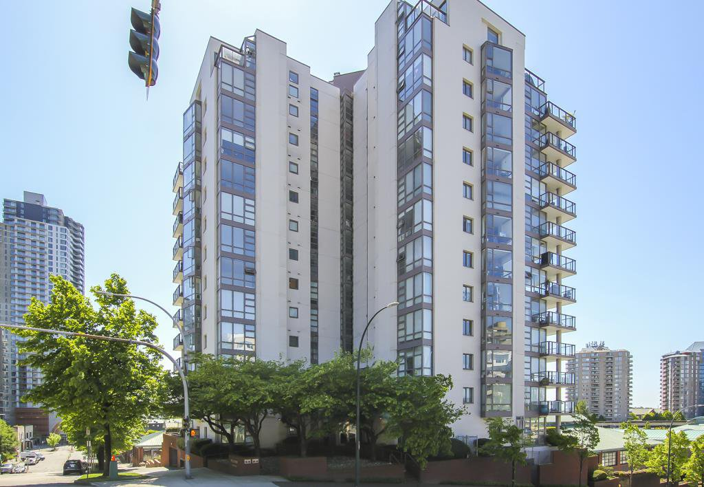 Main Photo: 403 98 TENTH STREET in New Westminster: Downtown NW Condo for sale : MLS®# R2501673