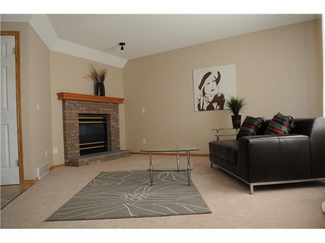 Photo 2: Photos: 116 Somercrest Close SW in CALGARY: Somerset Residential Detached Single Family for sale (Calgary)  : MLS®# C3500842