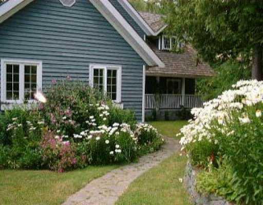 Main Photo: 1379 - 1383 PARK AV in Roberts_Creek: Roberts Creek House for sale (Sunshine Coast)  : MLS®# V517961
