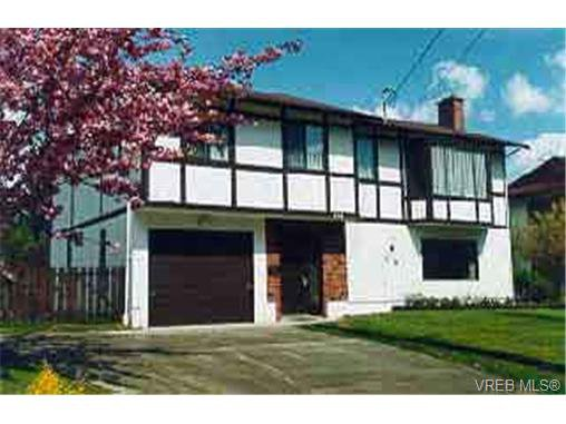 Main Photo: 358 Cotlow Rd in VICTORIA: Co Wishart South Single Family Detached for sale (Colwood)  : MLS®# 210840