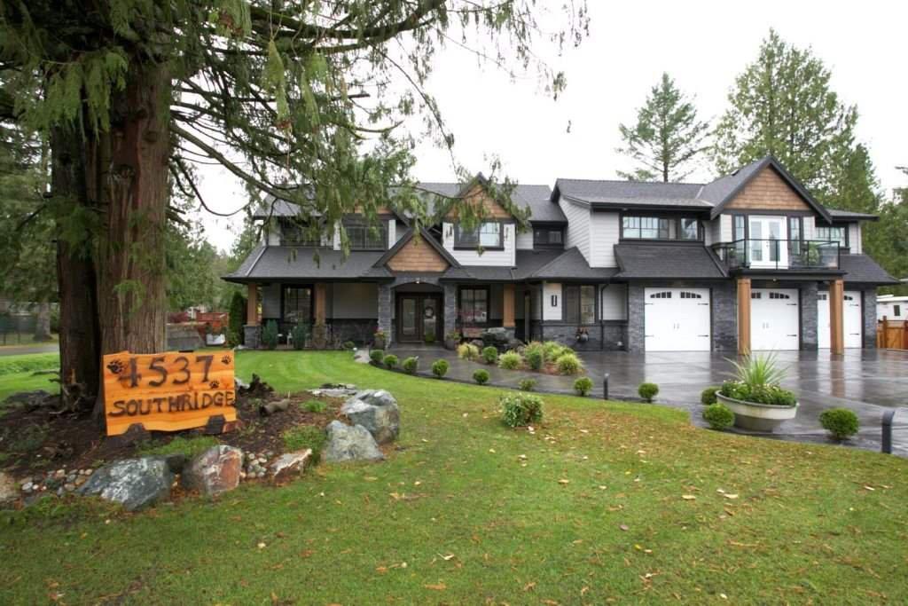 "Main Photo: 4537 SOUTHRIDGE Crescent in Langley: Murrayville House for sale in ""Murrayville - Southridge"" : MLS®# R2015764"