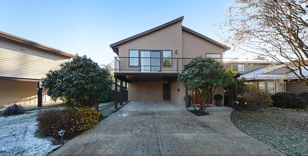 "Main Photo: 1056 LOMBARDY Drive in Port Coquitlam: Lincoln Park PQ House for sale in ""LINCOLN PARK"" : MLS®# R2126810"