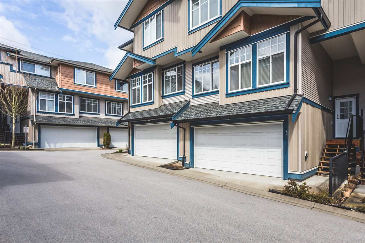 """Main Photo: 22 14462 61A Avenue in Surrey: Sullivan Station Townhouse for sale in """"RAVINA"""" : MLS®# R2158057"""