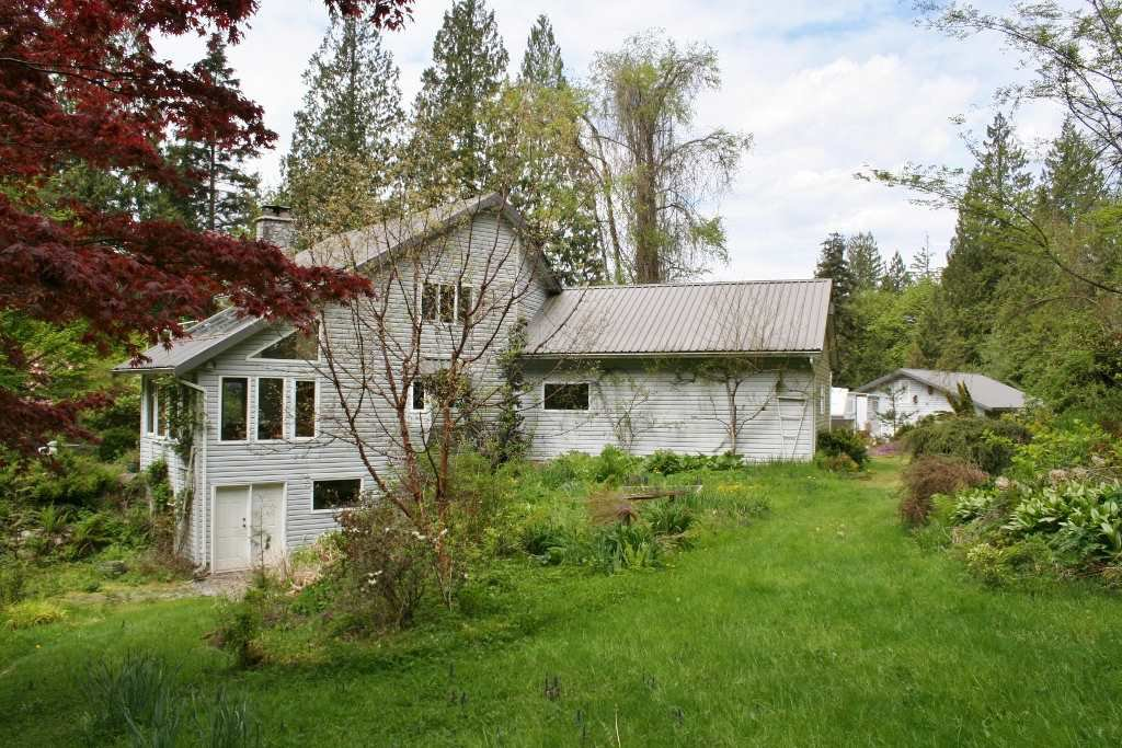 "Main Photo: 10080 SYLVESTER Road in Mission: Dewdney Deroche House for sale in ""Just north of Farms Rd."" : MLS®# R2164537"