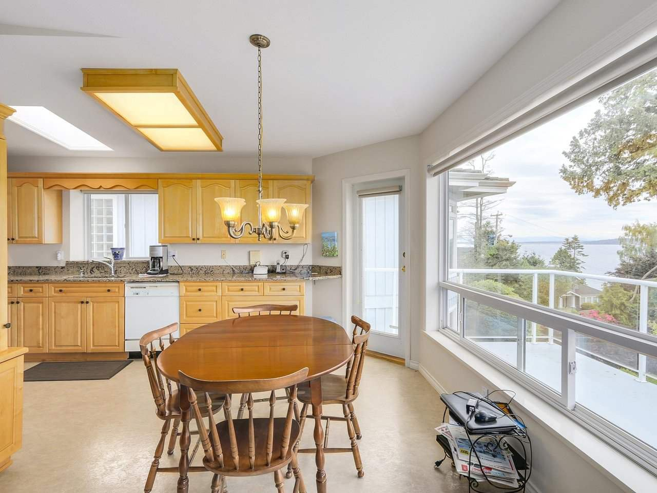 Photo 6: Photos: 1325 132B Street in Surrey: Crescent Bch Ocean Pk. House for sale (South Surrey White Rock)  : MLS®# R2185643