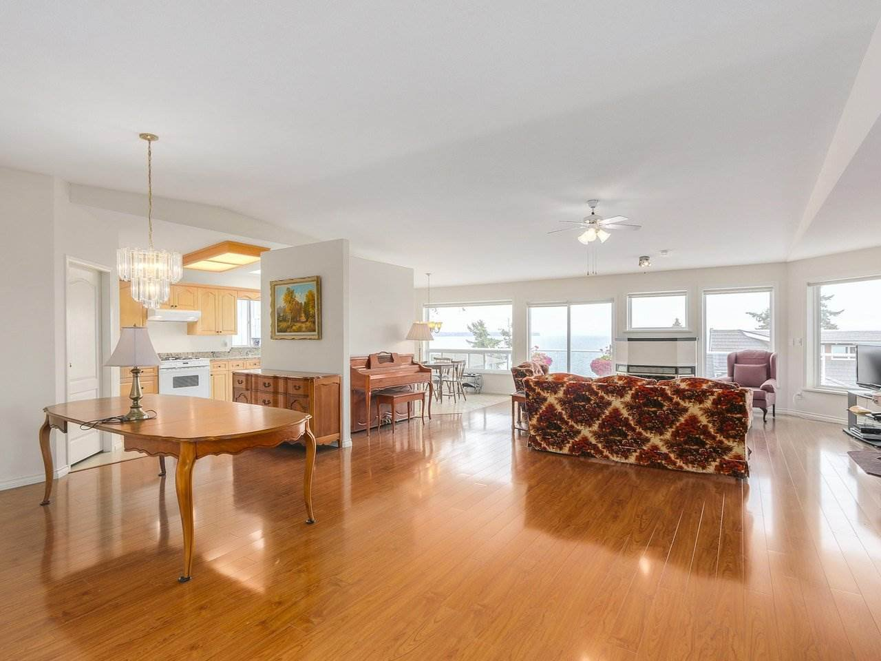 Photo 2: Photos: 1325 132B Street in Surrey: Crescent Bch Ocean Pk. House for sale (South Surrey White Rock)  : MLS®# R2185643