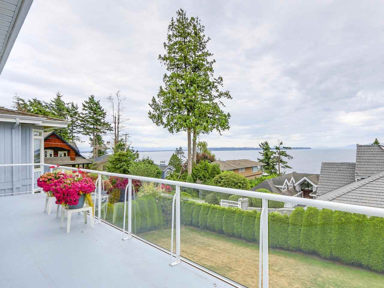 Photo 8: Photos: 1325 132B Street in Surrey: Crescent Bch Ocean Pk. House for sale (South Surrey White Rock)  : MLS®# R2185643