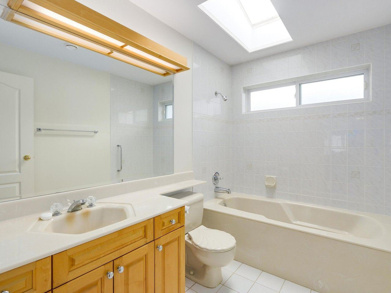 Photo 16: Photos: 1325 132B Street in Surrey: Crescent Bch Ocean Pk. House for sale (South Surrey White Rock)  : MLS®# R2185643