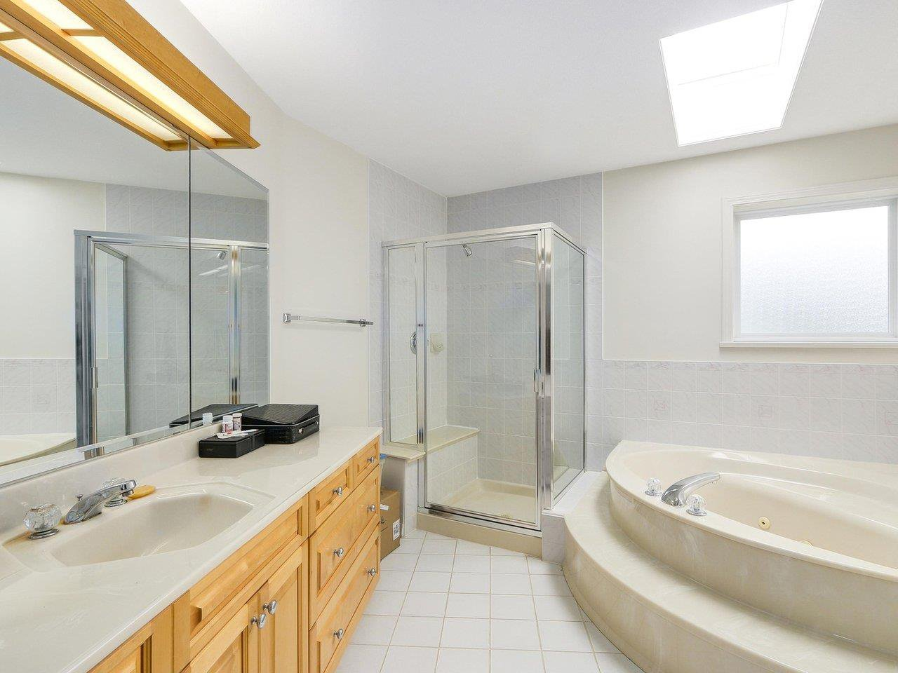 Photo 14: Photos: 1325 132B Street in Surrey: Crescent Bch Ocean Pk. House for sale (South Surrey White Rock)  : MLS®# R2185643