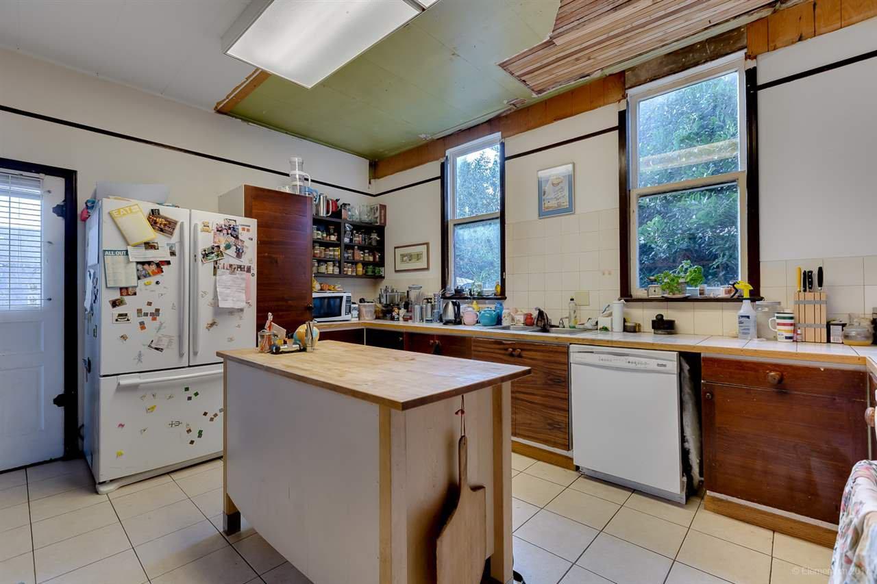 Photo 6: Photos: 2798 YALE Street in Vancouver: Hastings East House for sale (Vancouver East)  : MLS®# R2222270