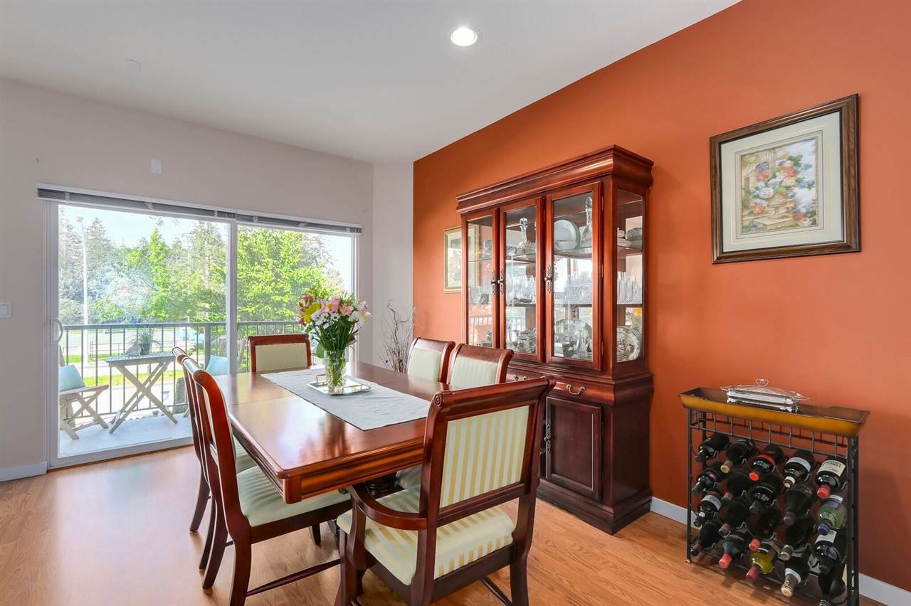"Photo 9: Photos: 71 12677 63 Avenue in Surrey: Panorama Ridge Townhouse for sale in ""SUNRIDGE ESTATES"" : MLS®# R2269578"