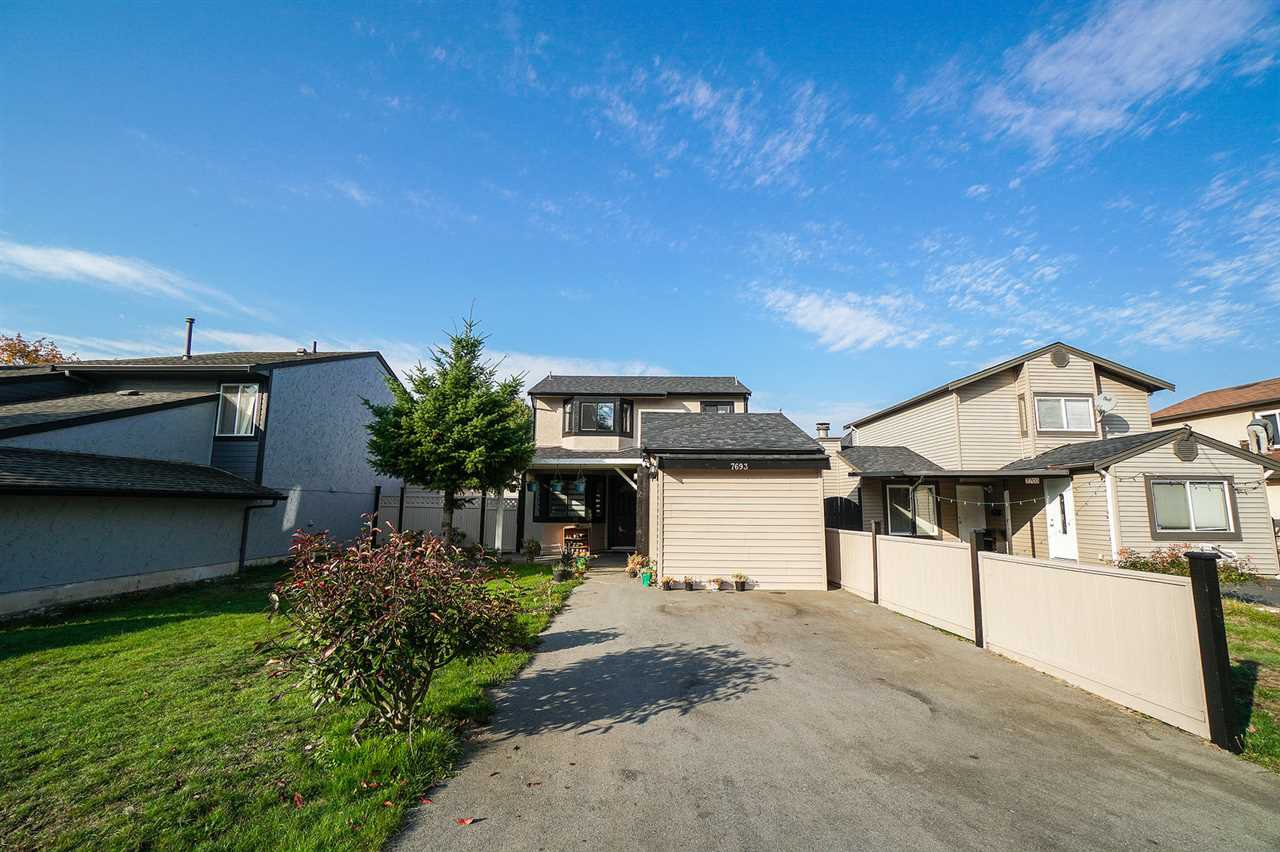 Main Photo: 7693 125 Street in Surrey: West Newton House for sale : MLS®# R2319603