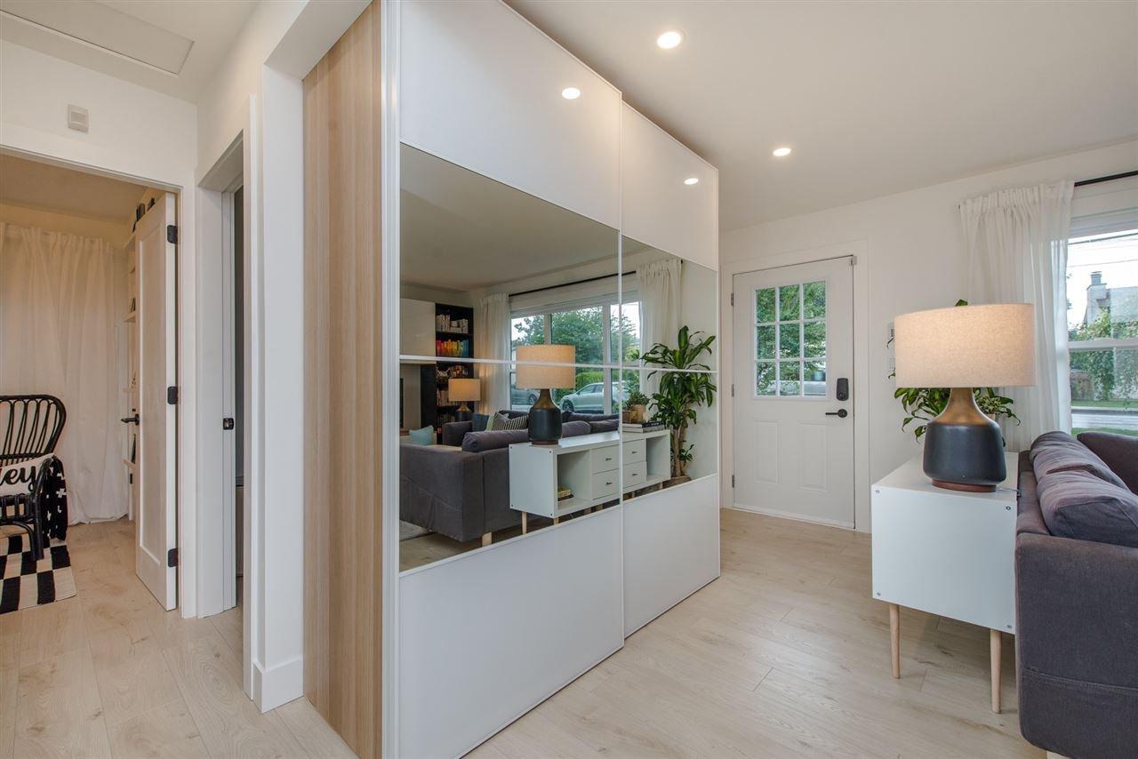 "Photo 3: Photos: 6444 REID Road in Sardis: Sardis West Vedder Rd House for sale in ""Sardis"" : MLS®# R2322018"