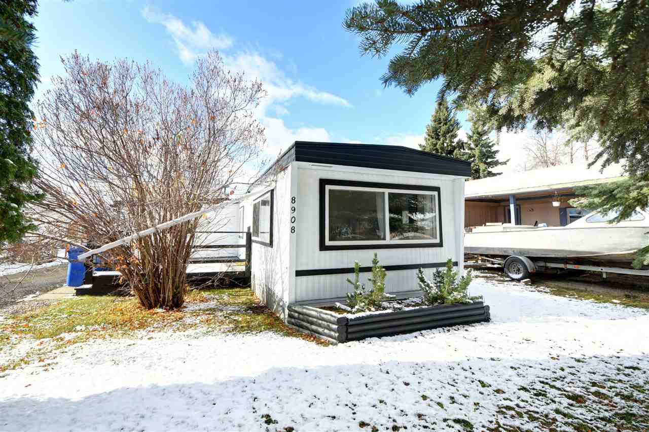 """Main Photo: 8908 75 Street in Fort St. John: Fort St. John - City SE Manufactured Home for sale in """"SOUTH ANNEOFIELD"""" (Fort St. John (Zone 60))  : MLS®# R2412701"""
