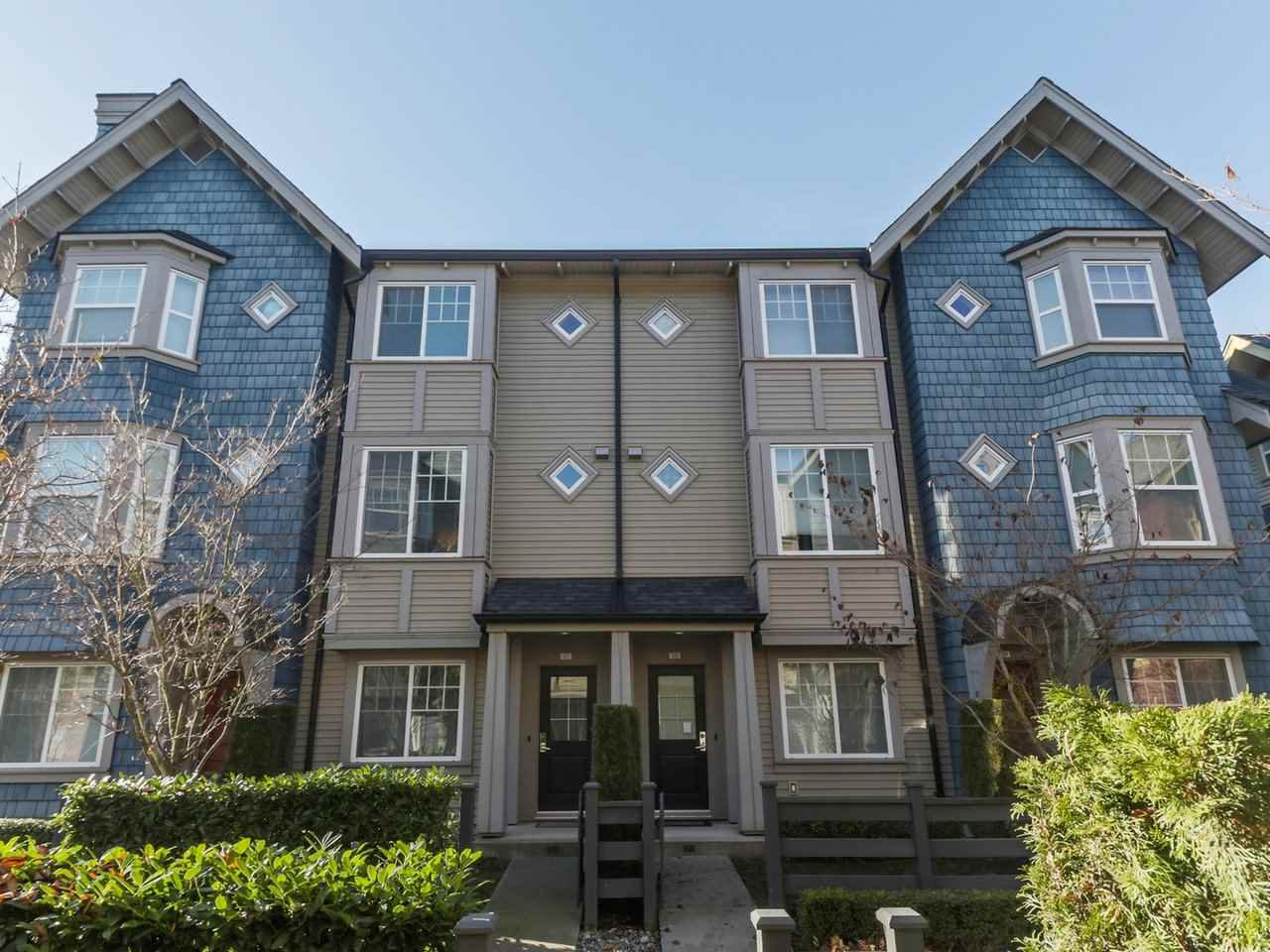 "Main Photo: 27 6450 187 Street in Surrey: Cloverdale BC Townhouse for sale in ""Hillcrest"" (Cloverdale)  : MLS®# R2421299"