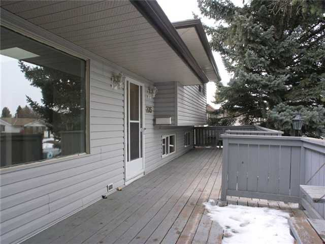 Main Photo: 2015 65 Street NE in CALGARY: Pineridge Residential Detached Single Family for sale (Calgary)  : MLS®# C3469150