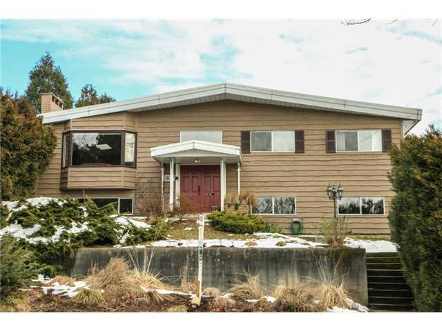 "Main Photo: 807 CUMBERLAND Street in New Westminster: The Heights NW House for sale in ""VICTORY HEIGHTS"" : MLS®# V1033849"