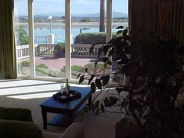 Photo 5: Photos: CORONADO CAYS Condo for sale : 2 bedrooms : 19 Kingston Court in CORONADO