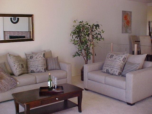 Photo 7: Photos: CORONADO CAYS Condo for sale : 2 bedrooms : 19 Kingston Court in CORONADO