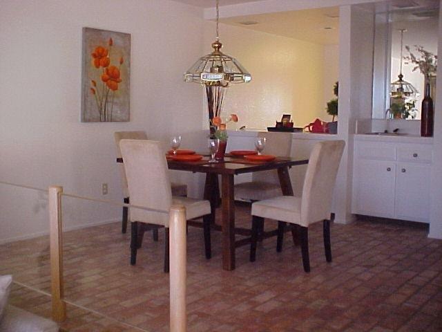 Photo 8: Photos: CORONADO CAYS Condo for sale : 2 bedrooms : 19 Kingston Court in CORONADO