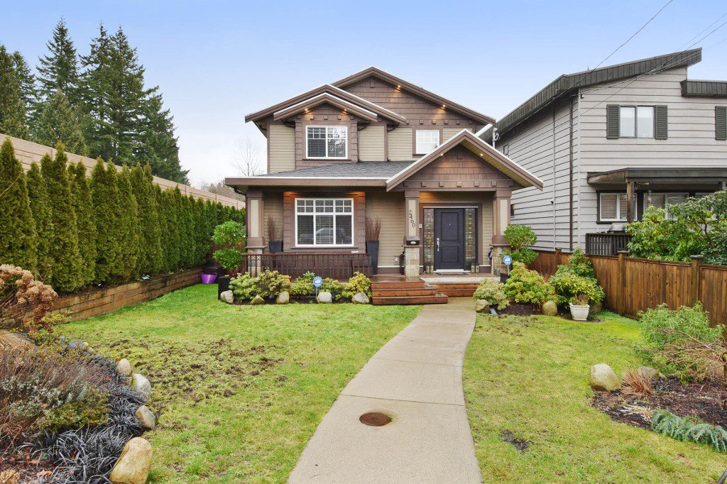 "Main Photo: 2460 LLOYD Avenue in North Vancouver: Pemberton Heights House for sale in ""PEMBERTON HEIGHTS"" : MLS®# R2030093"